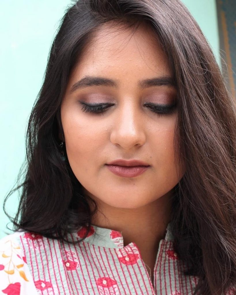 Eyemakeup look using Pixi Natural Beauty Eyeshadow Palette