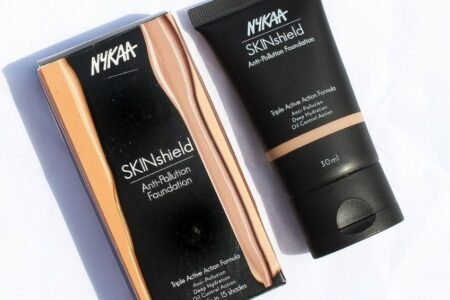 Nykaa Skinshield anti pollution foundation review