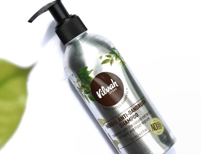 Review of Vilvah Herbal Anti Dandruff Shampoo