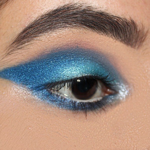 Ice Blue Eyemakeup Look using Colourpop Wet Palette
